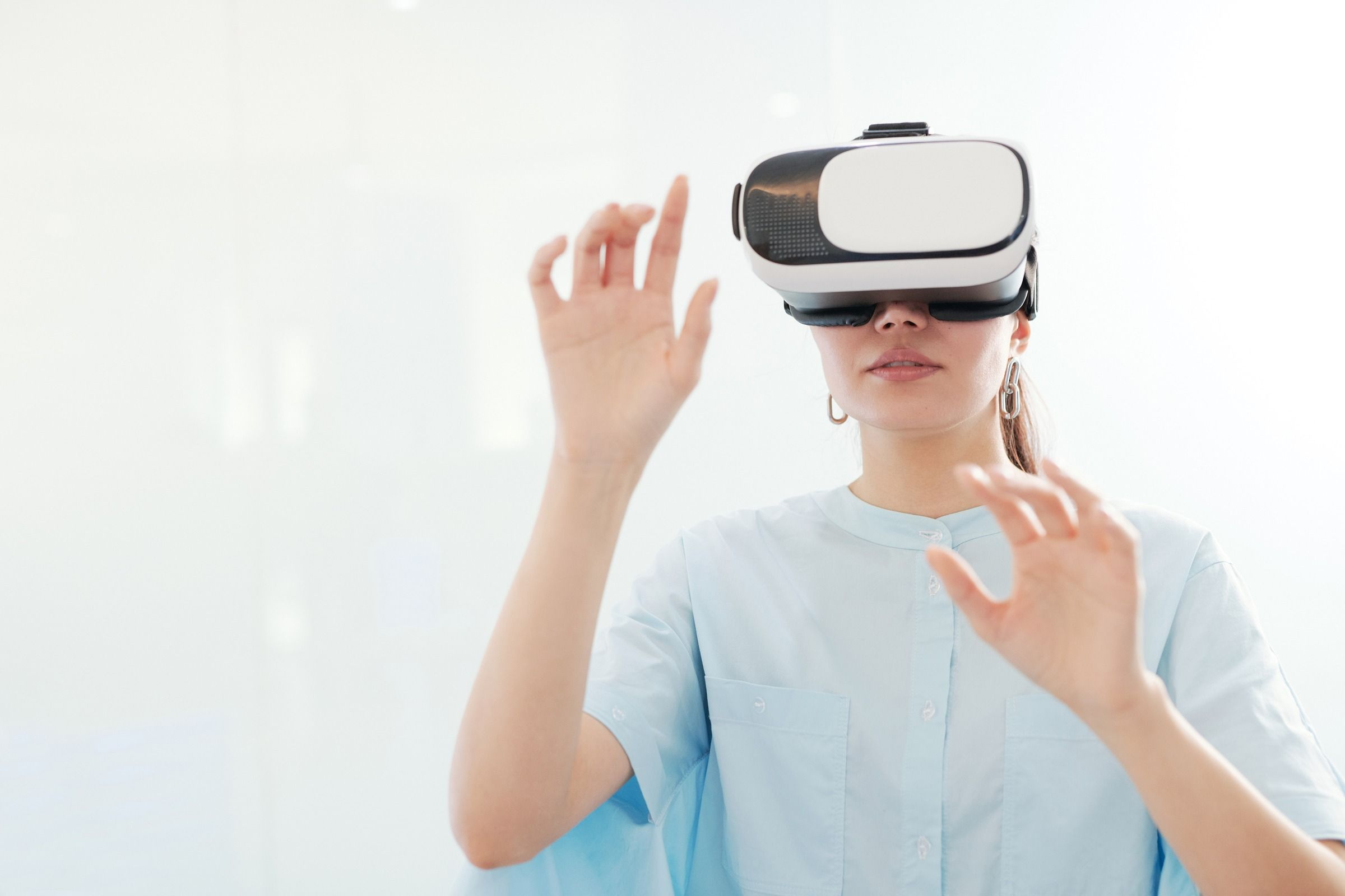 Using VR in shaping a a friendly treatment space in hospital setting