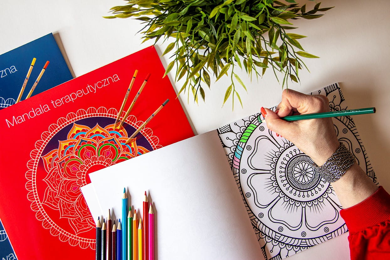 Colouring as a therapeutic activity